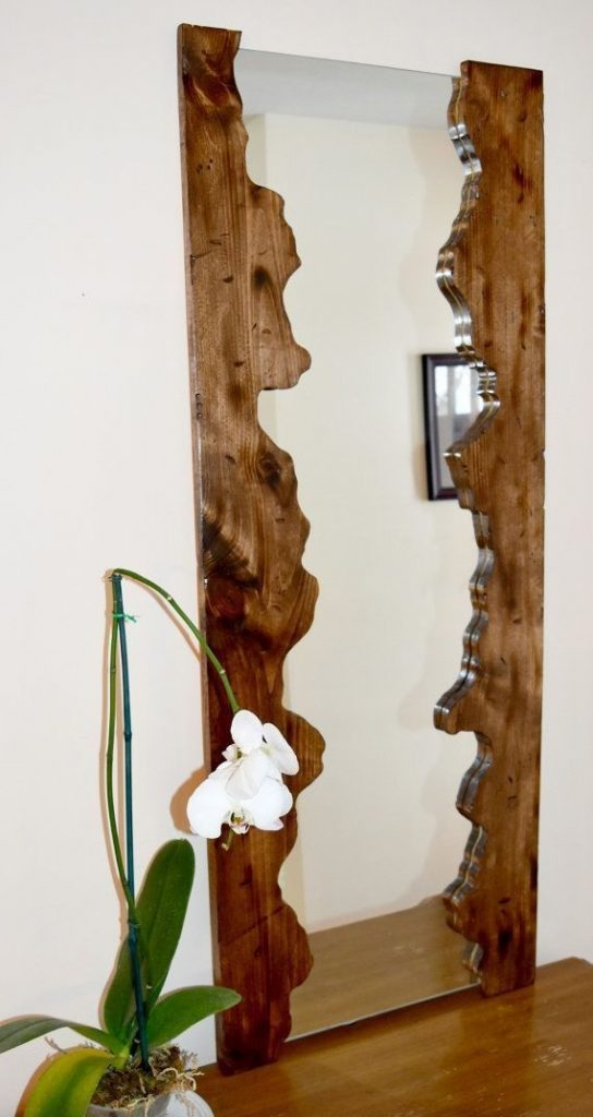 آیینه ایستاده چوبی